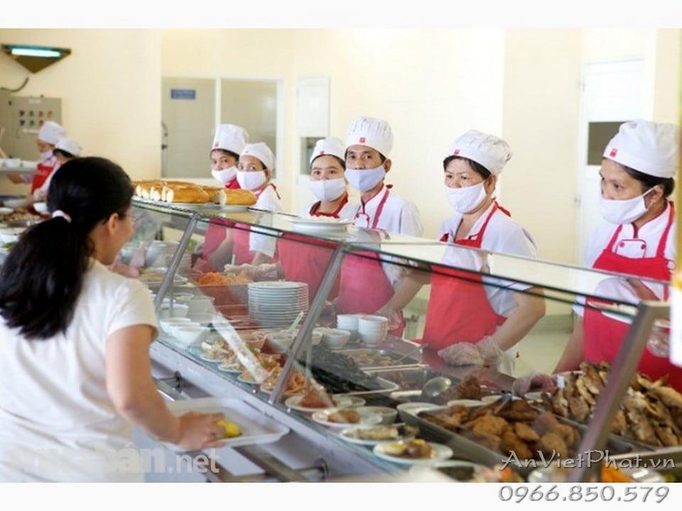 Bếp căng teen bệnh viện sử dụng tủ giữ nóng